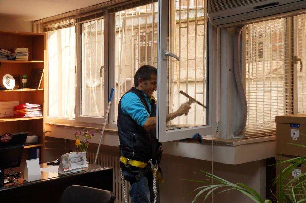 ofis cam temizlik hizmeti