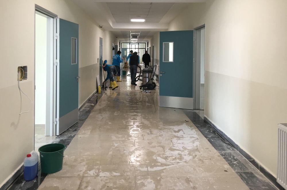 okul zemin yıkaması