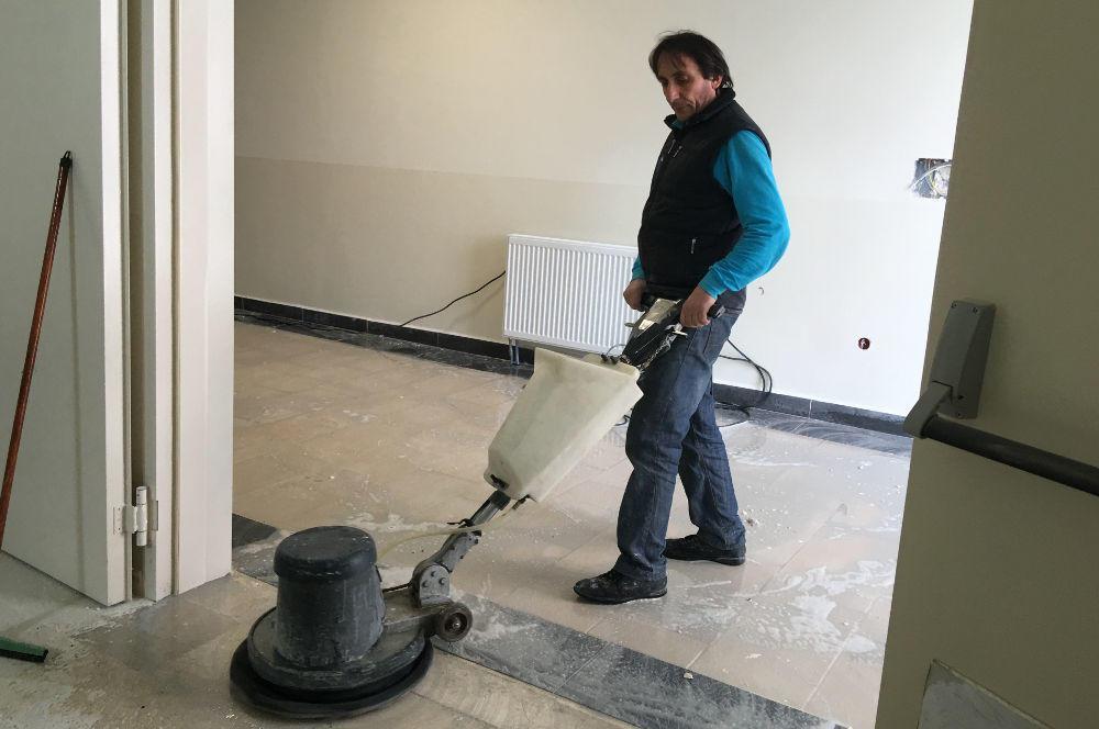 ofis zemin yıkaması