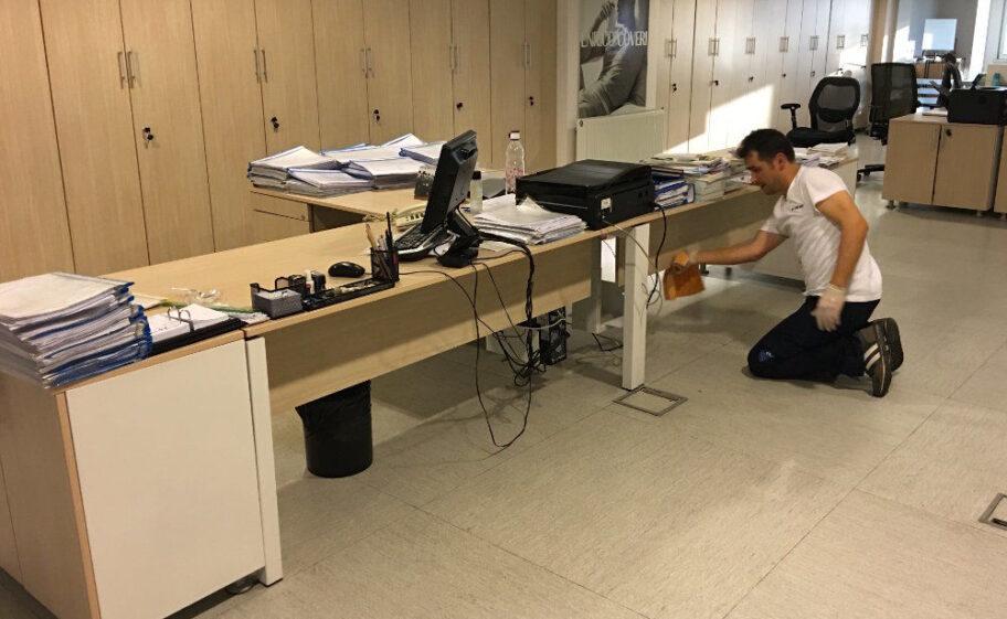 ofis masa temizliği